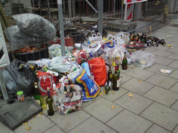 Flaschencontainer seit Baubeginn entfernt